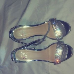 Silver Sparkle band heels